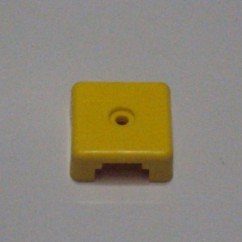Target face - 3D square op yellow